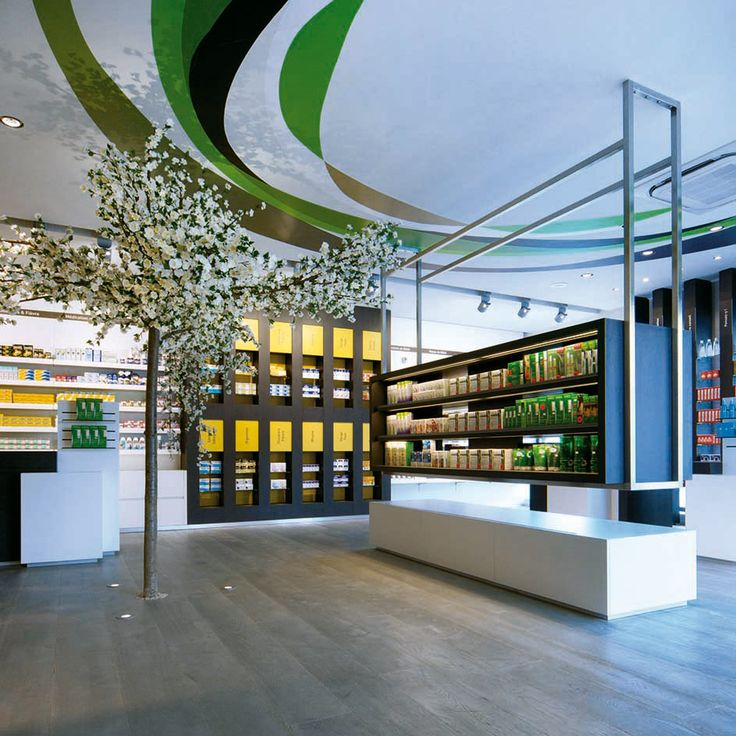Pharmacie, signalétique, identité visuelle, pharmacy, signage, visual identity • Design graphique : Aparté • Architecture intérieure : Mayelle • C.Photo : ©pierrerogeaux