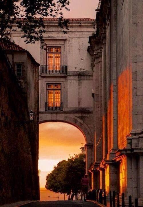 São Vicente de Fora, #Lisbon, the colors of the dawn #Portugal