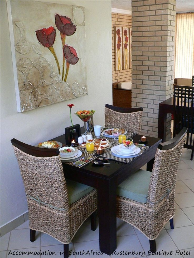 Breakfast is served at Rustenburg Boutique Hotel. http://www.accommodation-in-southafrica.co.za/NorthWest/Rustenburg/RustenburgBoutiqueHotel.aspx
