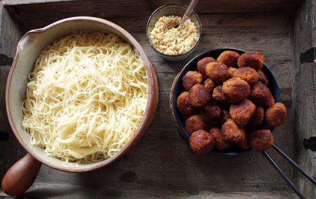 Røde linselus, capellini og pepper | Veganmisjonen