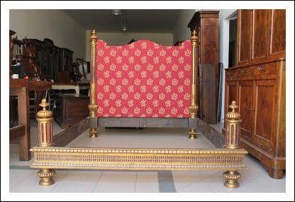 Delizioso Letto antico dorato legno e tessuto primi 900. Restaurato da eredità