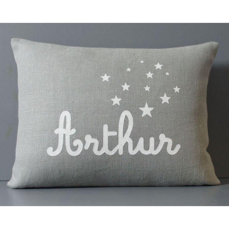 Coussin personnalisé - Cadeau de naissance - Enfant - Motif étoiles