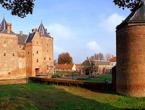 Slot Loevestein, Spelen in een middeleeuws kasteel! 8,-/11,-