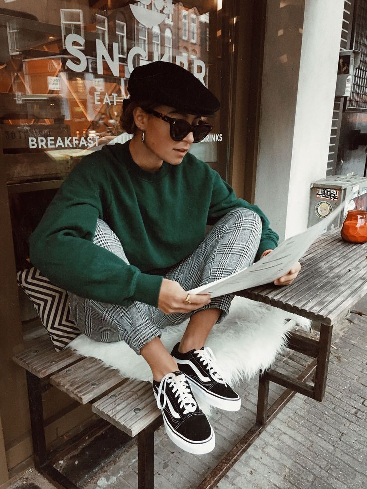 Burger bar in Amsterdam with Benthe Liem Green sweater, plaid pants, sneakers St…