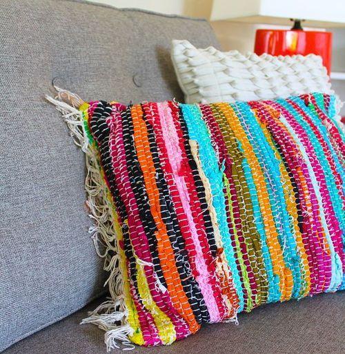 Diy rag rug pillow