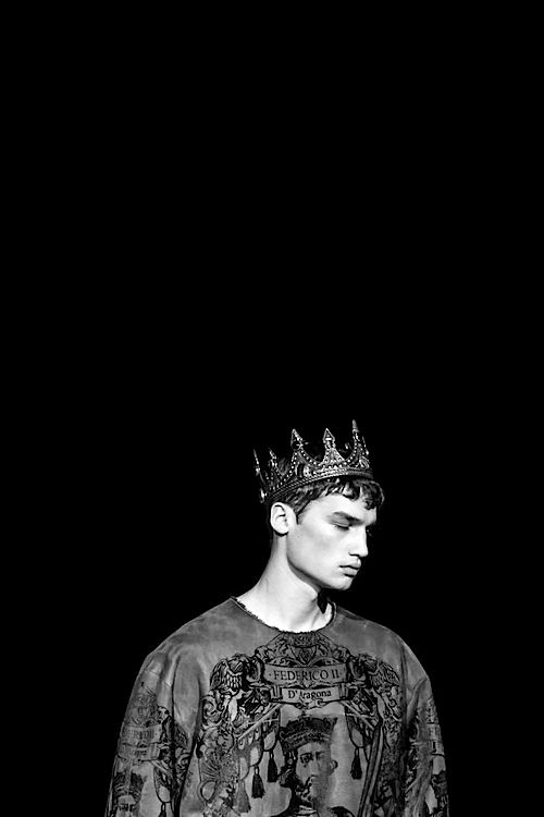 Картинки с короной на голове парней