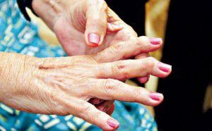 Lavanta yağı #romatizma ve #eklem ağrıları olan kişiler için bire birdir.