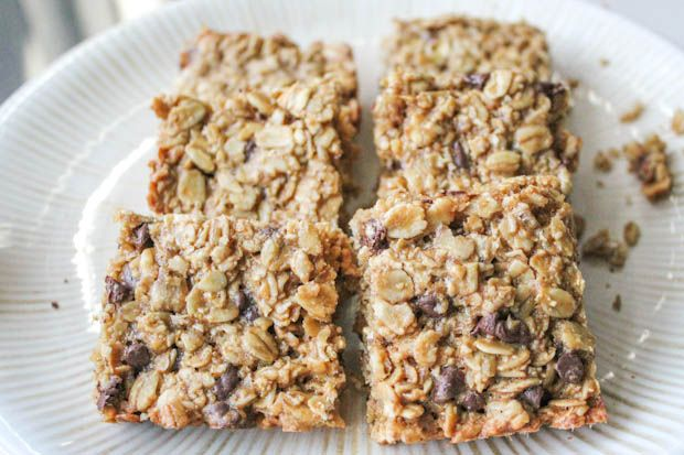 Oatmeal Chocolate Chip Cookies in one healthy & wholesome Granola Bar.