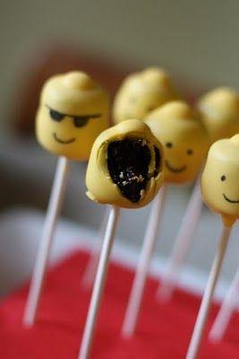 Lego Cake Pops: Cakes Hermina, Katy Hrubec, Smiley Cakes, Cakes Pop Stands, Lego Parties, Lego Cakes Pop, Cake Pop, Pop Katy, Hrubec Buie