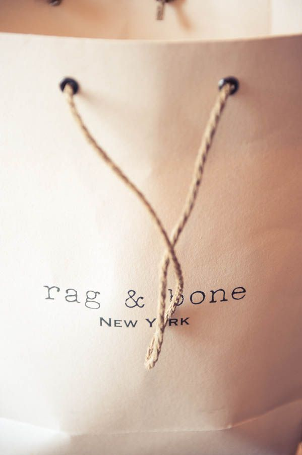 rag & bone clothes and bags (the Olsen Twins) understand less ,but extraordinary quality, is more...