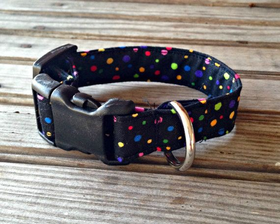 This handmade Furever Gracie Black Polka Dot Print Collar is custom made for you with cotton fabric and thick, quality interfacing that reinforces the fabric to make the leash durable and sturdy for you and your dog. Our collars come in 5 sizes, as follows: Extra Small: 3/4 wide, adjustable to fit a 6 - 9 neck Small: 3/4 wide, adjustable to fit a 8 - 12 neck Medium: 1 wide, adjustable to fit a 10 - 17 neck Large: 1 wide, adjustable to fit a 14 - 22 neck Extra Large: 1 wide, adjusta...