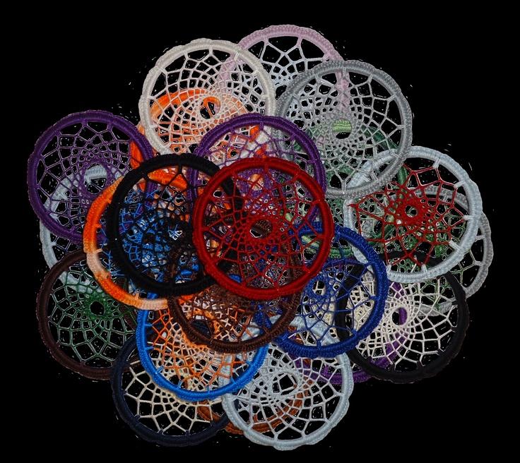 dreamcatcher's feitos à mão em crochet com 9cm diâmetro