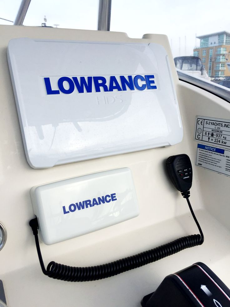 Lowrance HDS12 Gen 3 and Link8 VHF radio. (With images