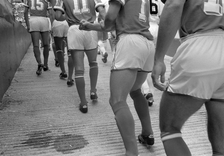 John Vink. MEXICO. Mexico DF. 28/06/86. Mundial '86. Players entering Azteca stadium for France-Belgium match.