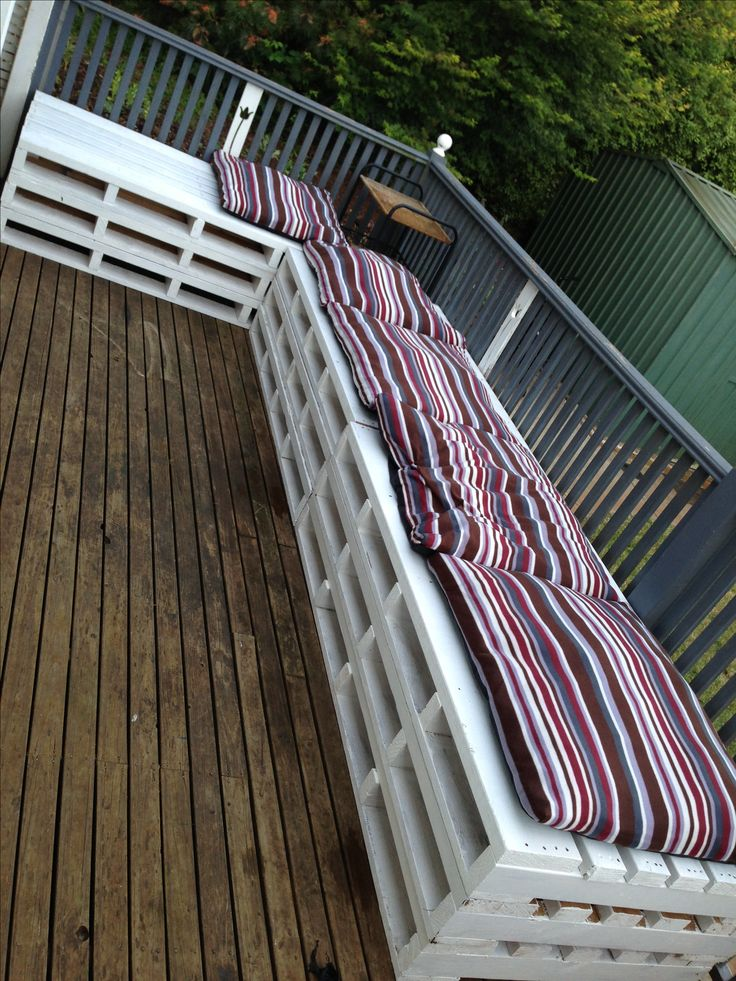 My Pallet Bench Seating :) Couldnu0027t Find Cheap Cushions Big Enough So I