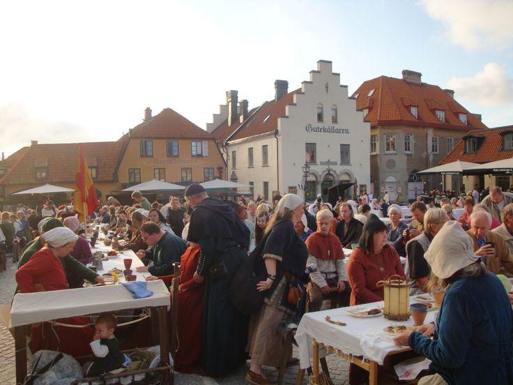 Visby Stora Torget: avslutningskvällen. photo by Merry Folk Medeltidsveckan http://www.medeltidsveckan.se/