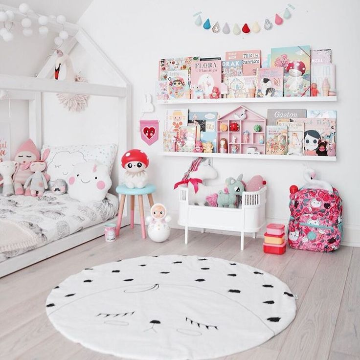"""""""Am so in love with his new @into_the_fold sheets bringing the green in here, and check out his new @velveteen_babies light bulb garland ( it glows in the…"""""""