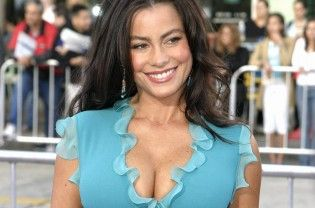 """Actress Sofia Vergara wants a """"big"""" wedding to please her fiance Joe Manganiello. The """"Modern Family"""" actress initially asked the """"Magic Mike XXL"""" actor to tie the knot with her at a """"small"""" ceremony in Las Vegas but then she changed her mind because he's never been married before, reports femalefirst.co.uk. """"I said, 'Joe let's just go to Vegas,' because... Read More"""