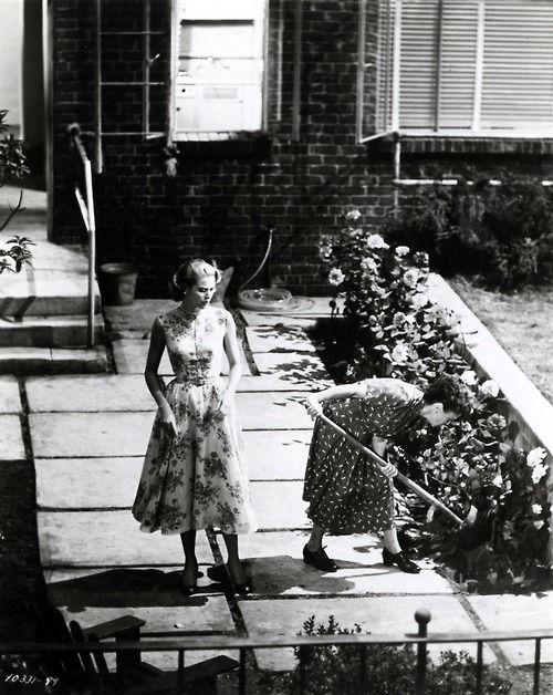 Grace Kelly in Rear Window (1954).