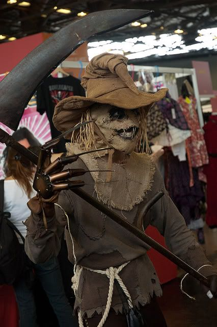 Google Image Result for http://www.cosplayoverload.com/wp-content/uploads/2012/04/Batman-Arkham-Asylum-Scarecrow-with-a-scythe-Cosplay-Costume.jpg