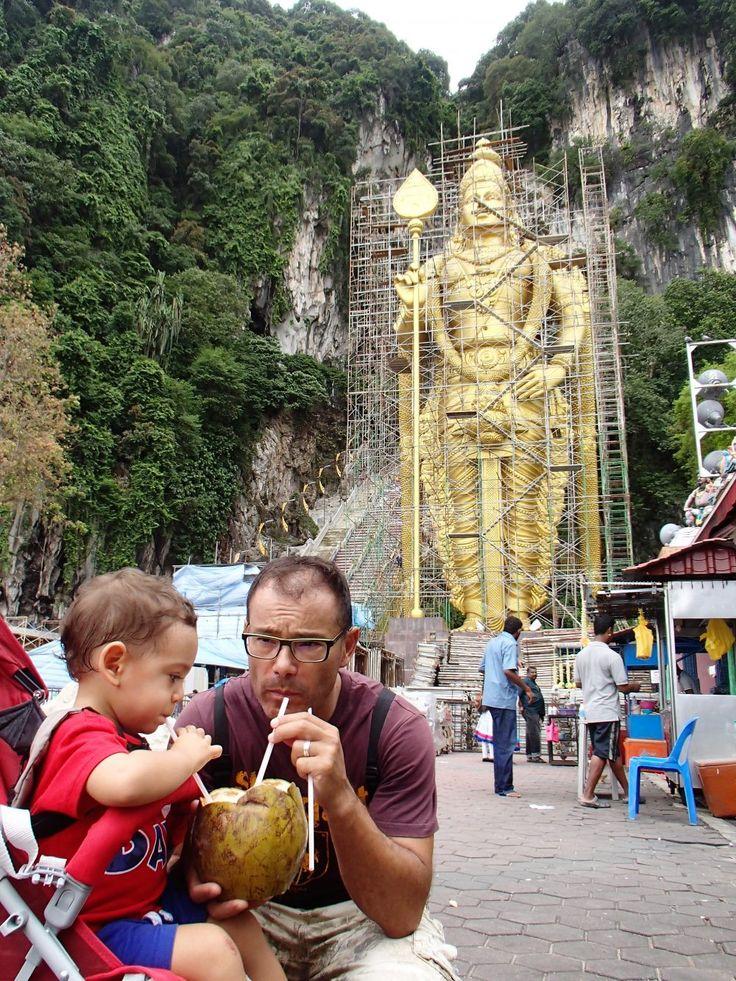 Batu Caves - Malásia. Templo Hindu nos arredores de Kuala lumpur
