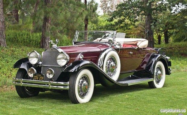 1931 Packard Deluxe Eight Roadster
