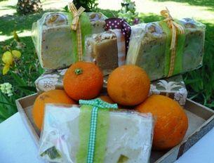 Los inconfundibles aromas de naranjas, pomelos, limas y limones se destacan en esta línea de jabones.