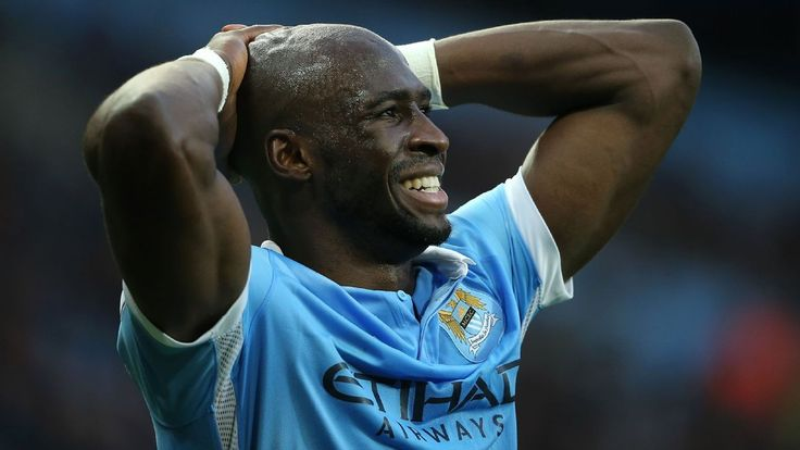 Eliaquim Mangala scores overhead kick in Man City training session