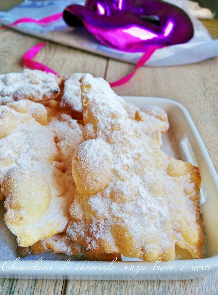 Chiacchiere di Carnevale senza burro e uova Le chiacchiere, frappe bugie o cenci sono dolci tipici di carnevale. Dolci sottili e friabili che possono esser