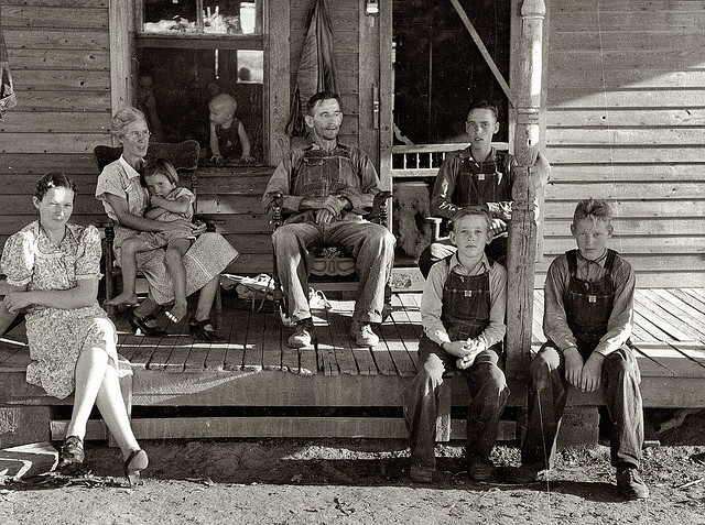1938-Family on the Porch by ozfan22, via Flickr