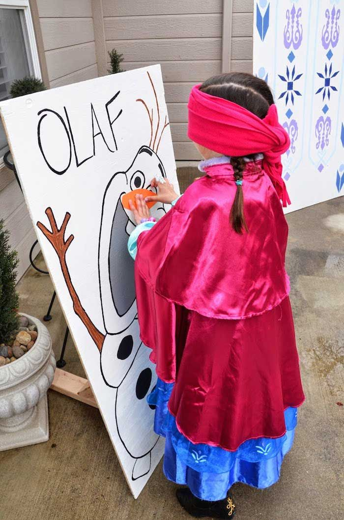 Disney's Frozen themed birthday party with Lots of Cute Ideas via Kara's Party Ideas | Cake, decor, cupcakes, games and more! KarasPartyIdea...