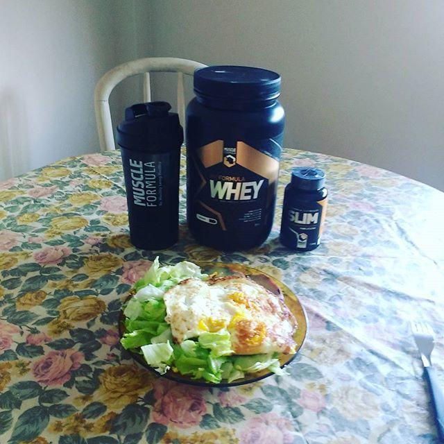 WEBSTA @ lucenaeriko - Domingo: para quem tem foco  é dia de dieta ! Vamos queimar 55 kilos em un ano 💪💪💪💪💪💪🇺🇸🇪🇸🇧🇷#dieta #dietasempre #divasdobox #bodybuilder #barbemonstre #bonecadeferro #malhação #malhacaovivaadiferenca #