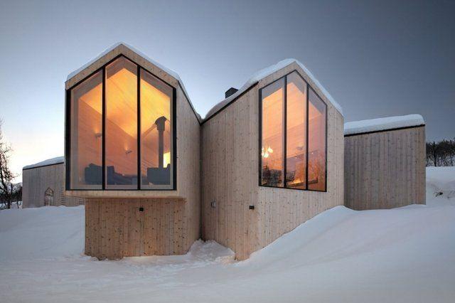 Górski dom z trzema widokami