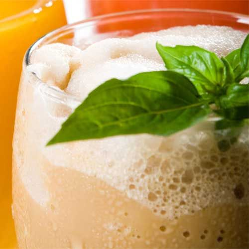 This stomach-friendly smoothie contains the enzyme papain as well as potassium, both of which calm an angry digestive system, plus four grams of fiber to tame and flatten an upset tummy. Ginger and mint nix nausea, fend off flatulence, and freshen breath. Bonus: The probiotics in yogurt boost friendly bacteria in your digestive tract to lessen gas.: Healthy Smoothie Recipes, Weight, Food, Smoothie Healthy, Healthy Drinks, Skin, Drinks Smoothies Juices, Healthy Smoothies