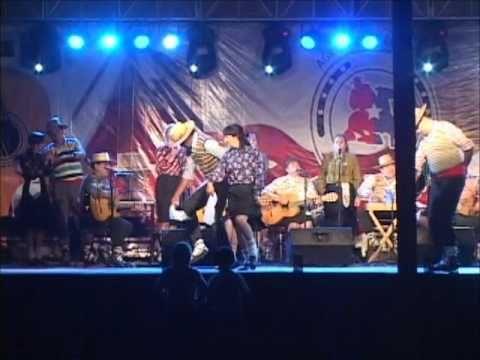 "Conjunto Folklórico ""Altué"" de Angol - V Fiesta Campesina Cayucupil 2012"