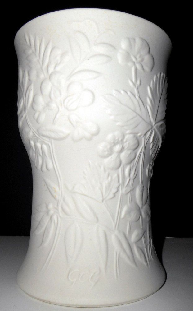 ARABIA FINLAND White Parian Bisque SUVI Vase by Gunvor Olin Gronqvist ca 1980s by TimelessThemes on Etsy