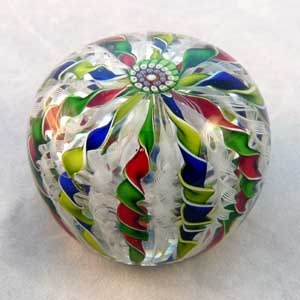 Saint Louis Paperweights from the Stone Gallery #LadyLindasLoft http://stores.ebay.com/Lady-Lindas-Loft?_rdc=1