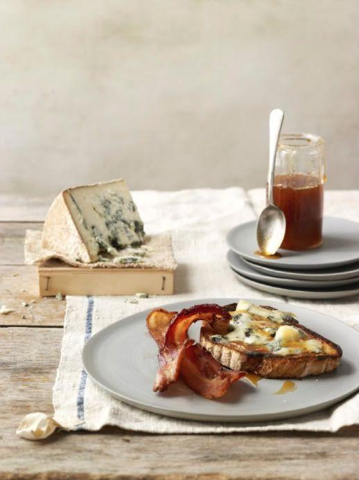 Sensational styling. Lovely tones!: Blue Chee, Food Group, Blue Cheese, Sunday Brunch, Honey Toast, Sunday Breakfast, Fast Recipes, Bacon Egg, Chee Tartin