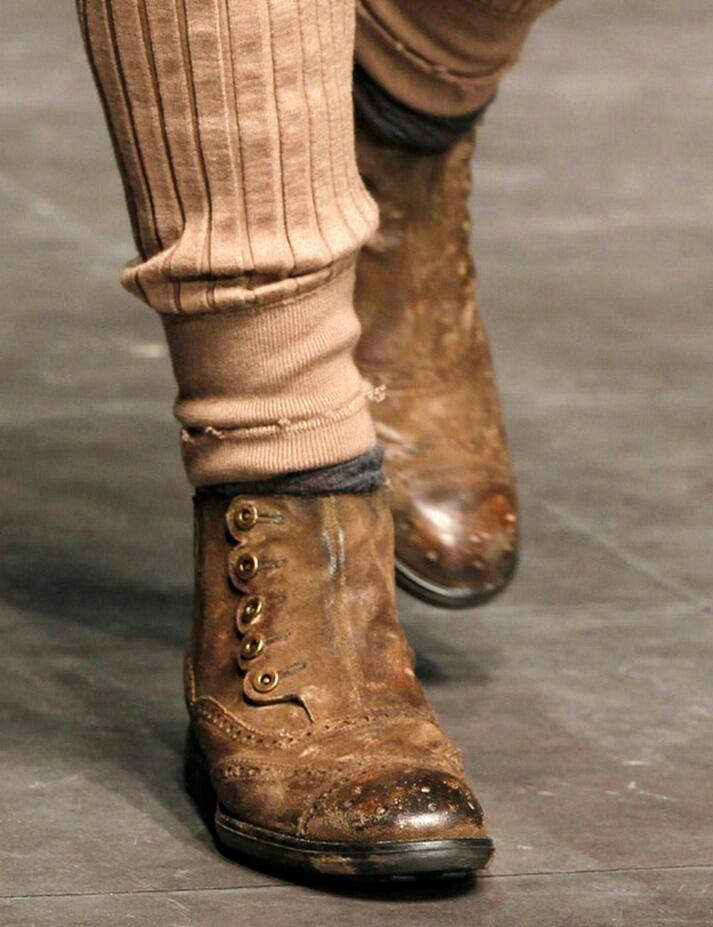 D shoe