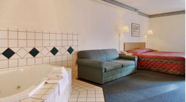 Super 8 Clemmons - 3 Star #Motels - $70 - #Hotels #UnitedStatesofAmerica #Clemmons http://www.justigo.club/hotels/united-states-of-america/clemmons/super-8-clemmons_108932.html