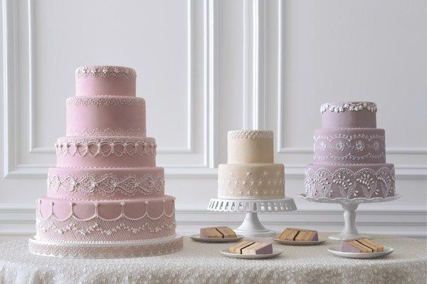 lambeth piping cakes by Wendy Kromer via Martha Stewart Weddings