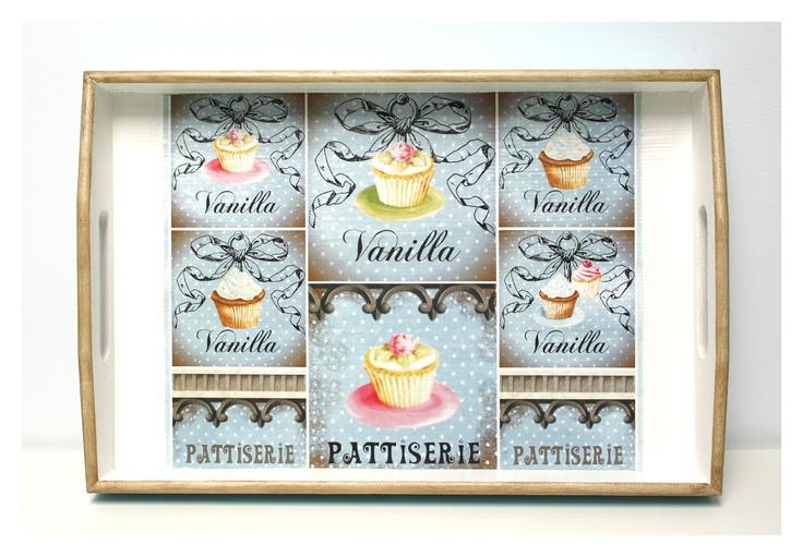 Tava Vanilla Cupcakes (52 LEI la BFFMyLove.breslo.ro)