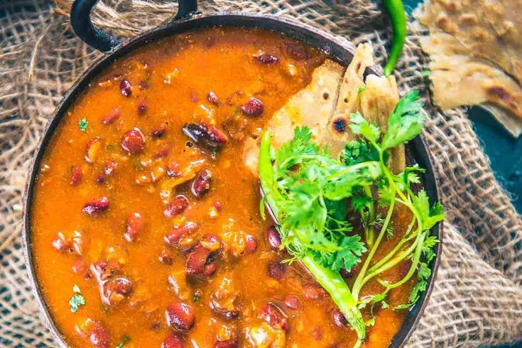 Rajma Masala (Red Kidney Beans Curry) is a much loved curry in most Indian Households and it goes very well with rice. Here is a step by step recipe to ... - Neha Mathur - Google+