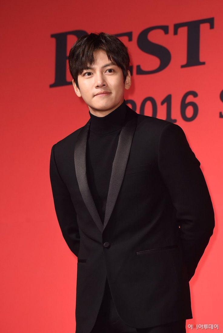 31st Korean Best Dresser Swan Award Jichangwook
