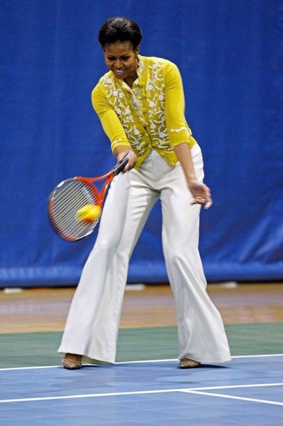 Michelle Obama playing tennis!! Looking so stylish tooLady Michelle, Lady Michele, Lady Style, 1St Lady, Michelle Obama, Presidents Barack, Michele Obama, First Lady, Barack Obama