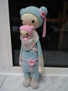 Japanese doll and baby. Used Kira Kangaroo pattern from Lalylala and modified it.