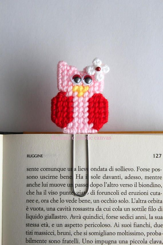 Valentine owl, owl paperclip, owl bookmark, owl planner clip, book lovers, book marks, page clip marker, gift for her, valentines gift This cute owl paper clip is handmade by me with plastic canvas and wool acrylic yarn, sewing on top of the paper clip. Color: Pink and red,