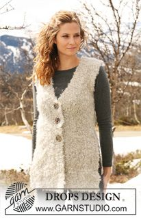 "Knitted DROPS sleeveless top with split at the side and garter st edges in ""Puddel"". Size S - XXXL. ~ DROPS Design"