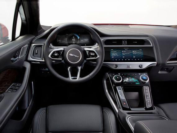 Salon Elektricheskogo Krossovera Jaguar I Pace 2019 Yaguar I Pace 2019 Best Car Interior Jaguar Pace Nissan Armada