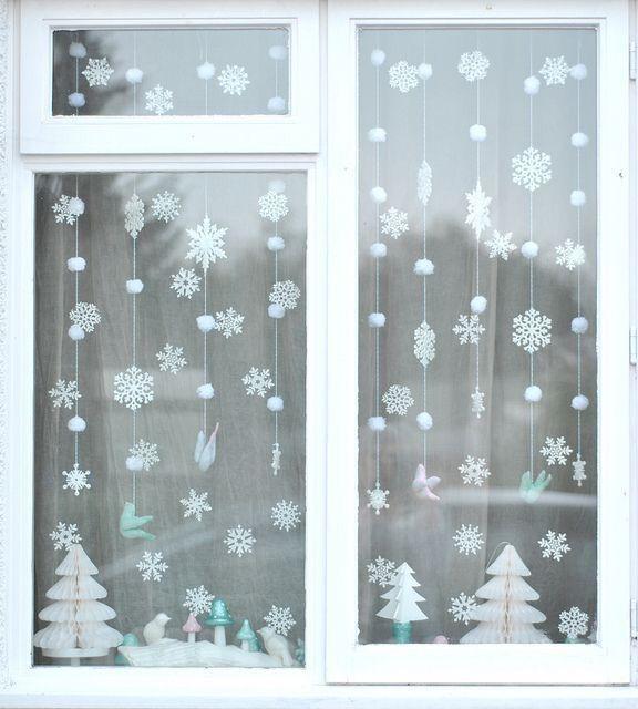 Оформление окна к новогодним праздникам